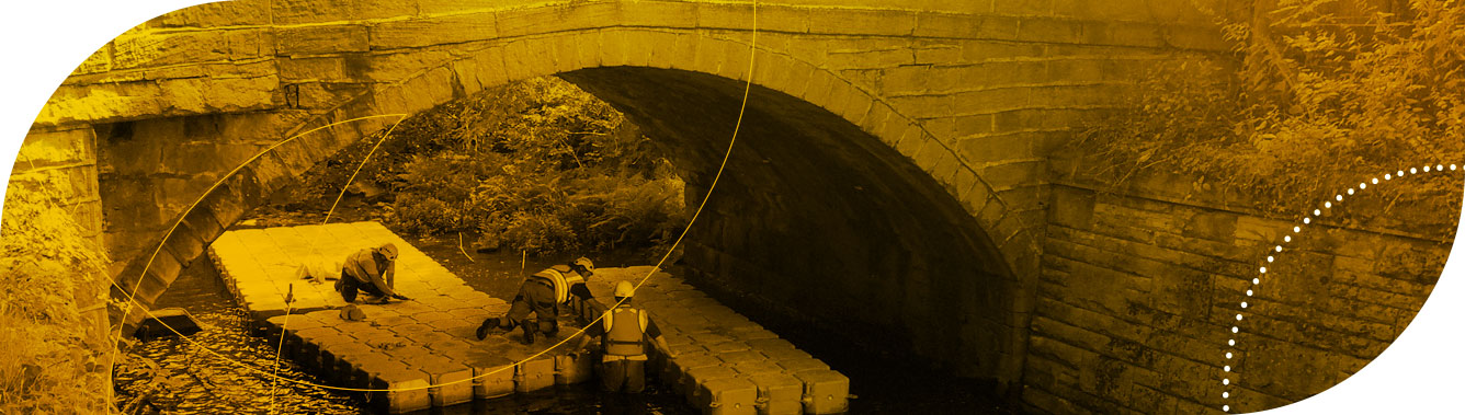 Unsliven pontoon for works beneath a bridge