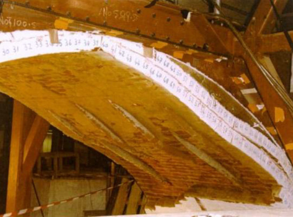 Transport Research Laboratory test of 5m span arch – bottom ring and pile failure